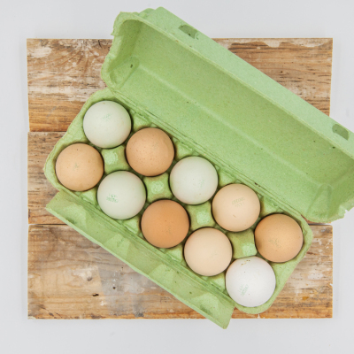 L izmēra brīvi turēto vistu olas
